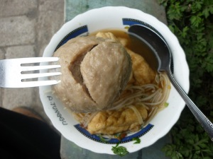 makanan penutup di TNBTS, Bakso Supeerrr!!